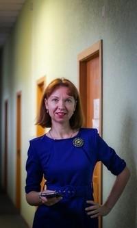 Елена Акатова